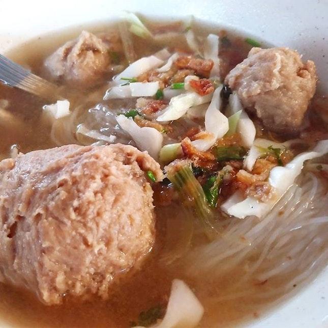 Mee Bakso @Gerai Mama Siti (3/5) The bakso was slightly soggy..