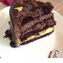 Chocolate Mangomisu Cake ($59)