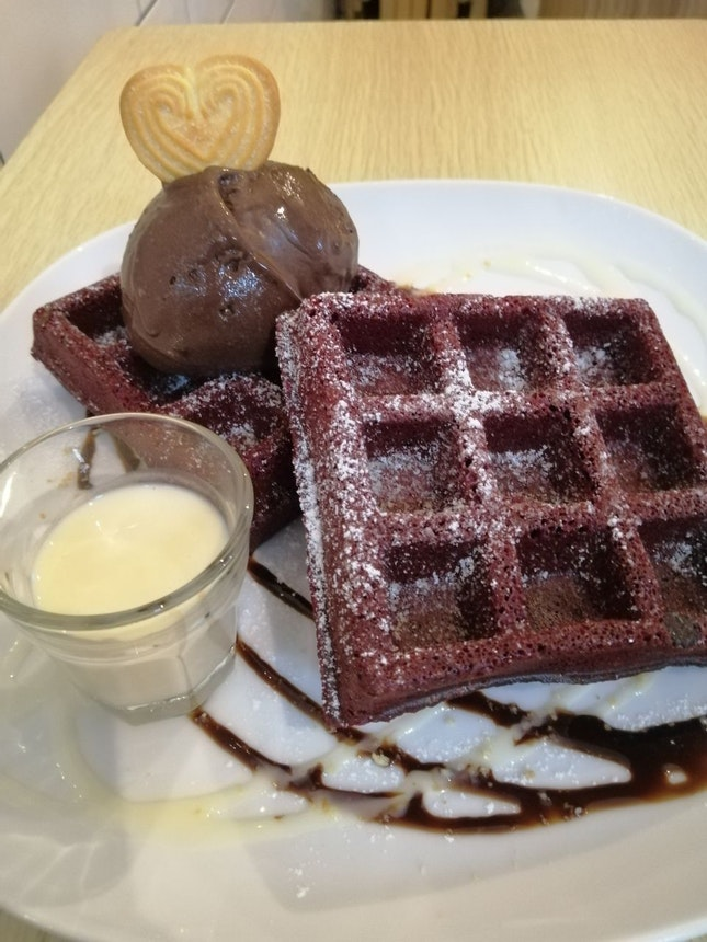 Red Velvet Waffle W Ice Cream