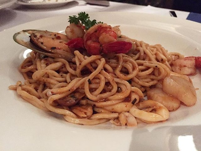 Many places claimed that their pasta are homemade, but I didn't pay much attention until my visit @portofino.bangsar .