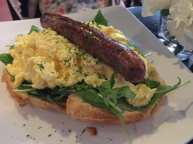 Croissant w/ Scrambled Egg & Beef Sausage