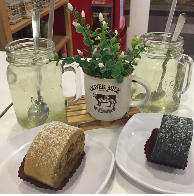 Swiss Roll & Honey Drink