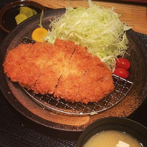 Tonkichi's Rosu Katsu, free refills of refreshing cabbage salad a definite plus (: #tonkichi #tonkatsu #rosukatsu #porkcutlet #fried #crispy #salad #delicious #japanesefood #japanesecuisine #town #orchard #burpple #instafood