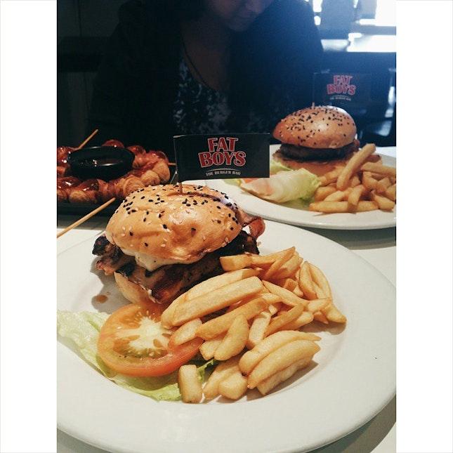 Just a pair of fatties at the Fat Boy's Burger Bar getting fatter and fatter 💁 OM NOM NOM NOM 🍔🍴#tb #fats #burpple