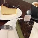 Burnt Cheesecake And Burnt Matcha Cheesecake