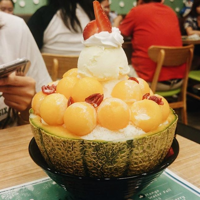Bingsu is one of my favorite desserts because it's refreshing and it is good for sharing.