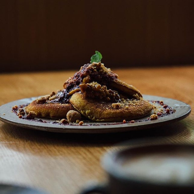 Common Man Fluffy Pancakes with caramelised bananas