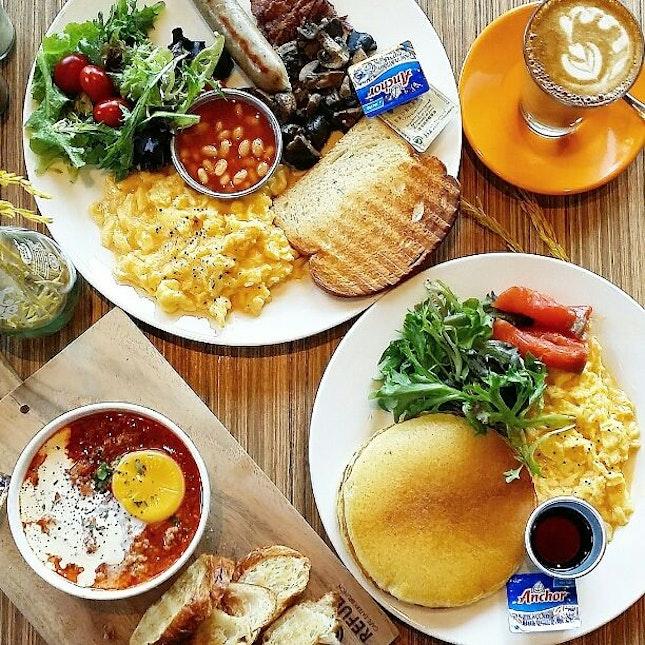 brunch @ refuel cafe