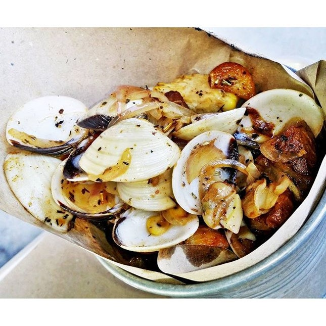 Clams In Original Sauce (SGD $18 / 500g) @ Wholly Crab.