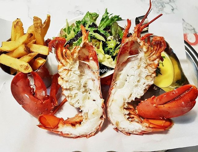 Live Whole Lobster Set (SGD $58) @ Pince & Pints.