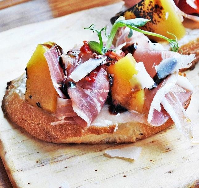 Peach And Parma Ham Crostini (SGD $14) @ Supply & Demand.