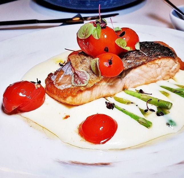 Pan-Seared Salmon (SGD $29) @ Cavemen Restaurant & Bar.