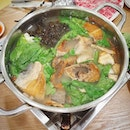 Ting Heng Seafood Restaurant, House Speciality Steamboat Pomfret ($40/ $60/ $80).