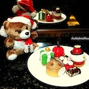 Holiday Afternoon Tea at Lobby Lounge sweet selections.