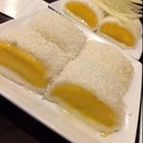 Cold Sticky Mango With Coconut