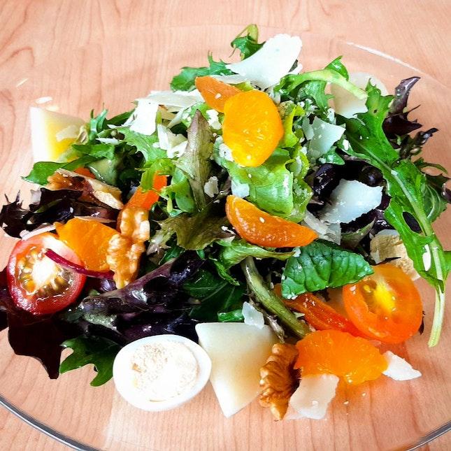 Garden Salad & Iced Lemon Tea ($6.90)