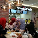 Look who dropped by Nene Chicken today for the ultimate chicken feast!