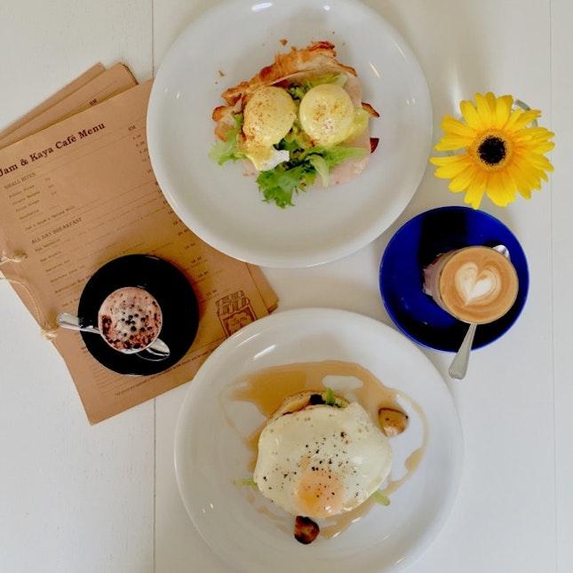 Farmers Pancake & Eggs Benedict