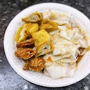 Rice noodle roll aka Chee Cheong Fun, KL style ($0.80 per roll, $0.40 per fried items); Rice roll with smooth silky texture, and you can have the option to add in fried items like Ngoh Hiang or Wantons.