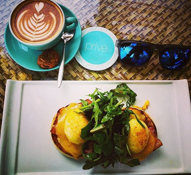 You will never go wrong with a good brunch with yatch scenary during Monday blue 😎 👍 esp love the Eggs Benedict paired with housemade bacon, what a perfect match, coffee is decent too  Eggs Benedict (smoked leg ham, housemade bacon) - $17 Eggs Florentine (wilted spinach, roasted Roma tomatoes) - $17 Flat White - $5.5  #burpple #burpplesg #eggbenedict #eggflorentine #brunch #keppelbay #yatch #singapore #mondayblues #chill #relaxation