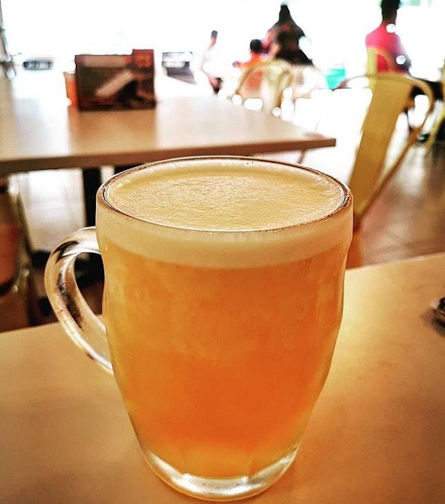 Healthy way of drinking beer in the morning  Easy Heng Beer (RM5.80)  #easyheng #二師兄豬肉粉 #chrysanthemum #chrysanthemumbeer #burpplekl #burpple