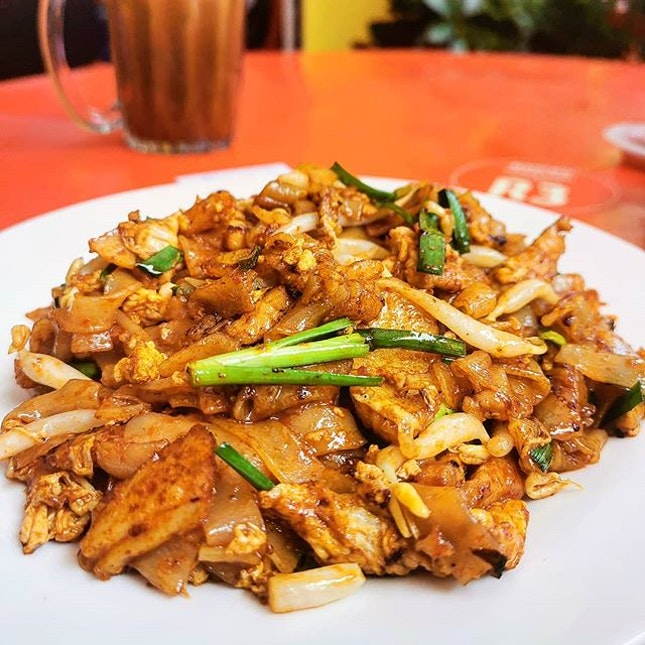 "Enough ""Wok Hay"" Char Koay Teow..😋 Never tasted char koay teow with pork slices..."