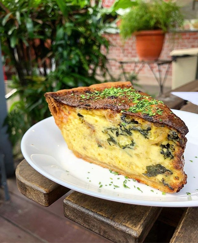 ; Bacon & Spinach Quiche 💚 Simple things, done right.