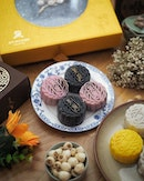 Handcrafted mini snow skin mooncakes ($78.00++ per box of 8) from Yan Ting @stregissg .