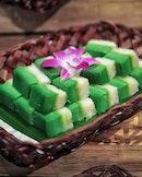 Peranakan delights buffet spread at Aquamarine @marinamandarinsg Available for a limited period till 31 October 2018.