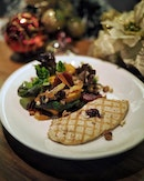 Festive Salad with Grilled Turkey, Roasted Pumpkin and Pickled Beetroot.