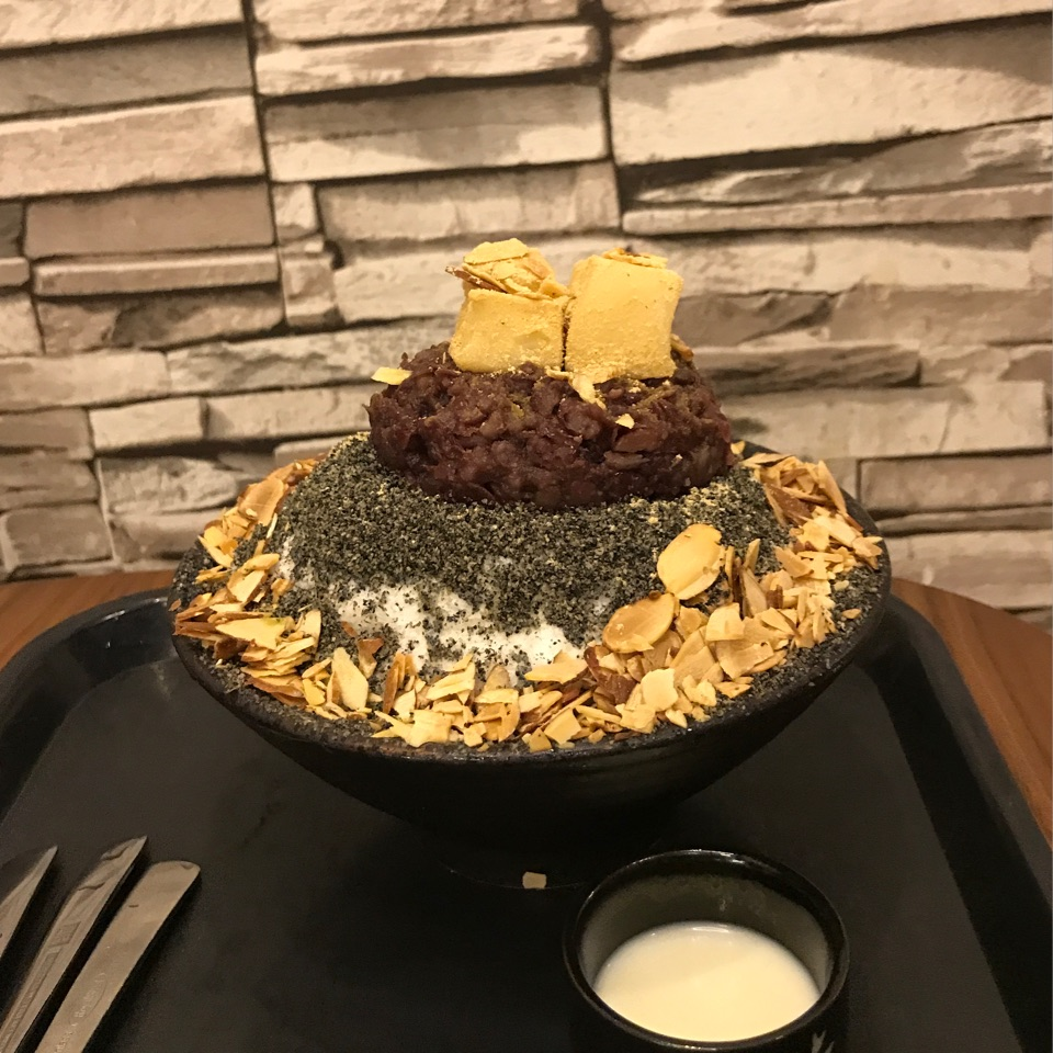 Black Sesame Bingsu ($18.90)
