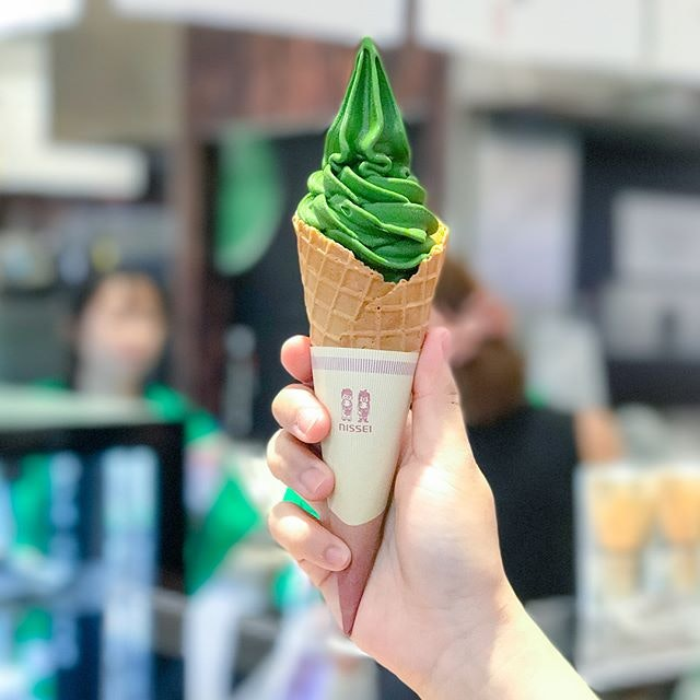 Uji matcha nama softserve [$7] @tsujirihei_honten is back once again at Takashimaya Japan food fair (till 4 Oct'17)!
