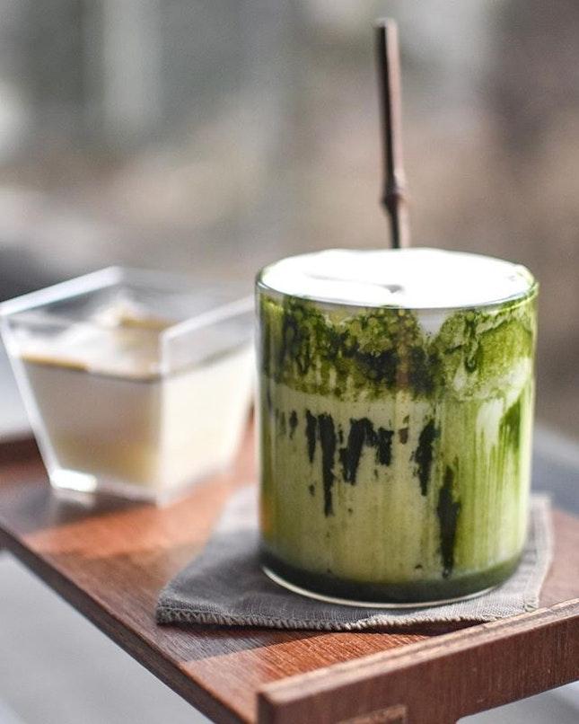 Matcha Blanc [7500 krw ~> $9]  Tea pudding [4500 krw ~> $5.40] .