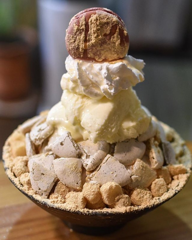 Injeolmi Macaron Bingsu [12500KRW ~> $15]  A relatively commercialized and hence ubiquitous 'brand' of Bingsu here in Korea that offers a wide variety of creations and also exclusive seasonal flavour as well - do check out @sulbing.official for the seasonal updates!