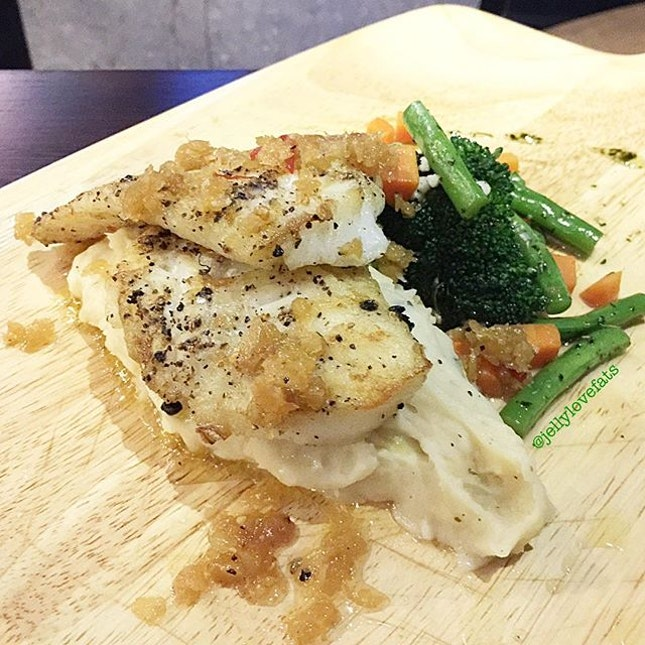 [jelly星期六] Chef's Special Creation: Truffled Infused Cod $24.90 ❣️Cod fish fillets were pan fried till crispy on the surface, then baked till cooked.