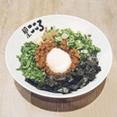 So Menya Kokoro is apparently Japan's largest and most popular mazesoba chain and it's quite easy to see why.
