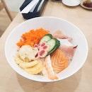 Some great Chirashi Don ($16++) here at Fish Market Sakuraya; the chirashi slices are fresh and the rice has a nice sweetness to it .