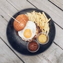 Nom Bistro at Macpherson Community Club has an awesome 1 for 1 mains, pasta and burgers lunchtime deal on weekdays!