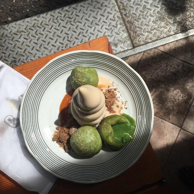 Matcha Mochi w/ Cookie Soft Serve