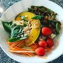 Spicy basil chicken grain bowl #burpple