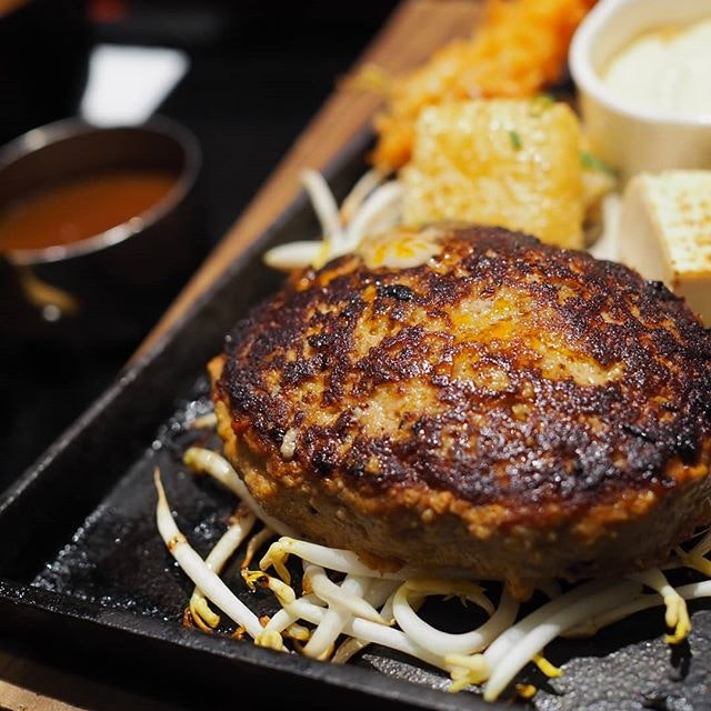 Available on @burpple's value for money list, $18.80 at keisuke's 12th concept gets you a tender beef Patty, an ebi tempura, proper Japanese rice, miso soup and unlimited access to their salad bar.