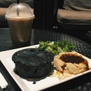 Charcoal Curry Chicken Pie #vsco #vscocam #vscofood #food #foodporn #sgfood #eatoutsg #burpple #burpplesg