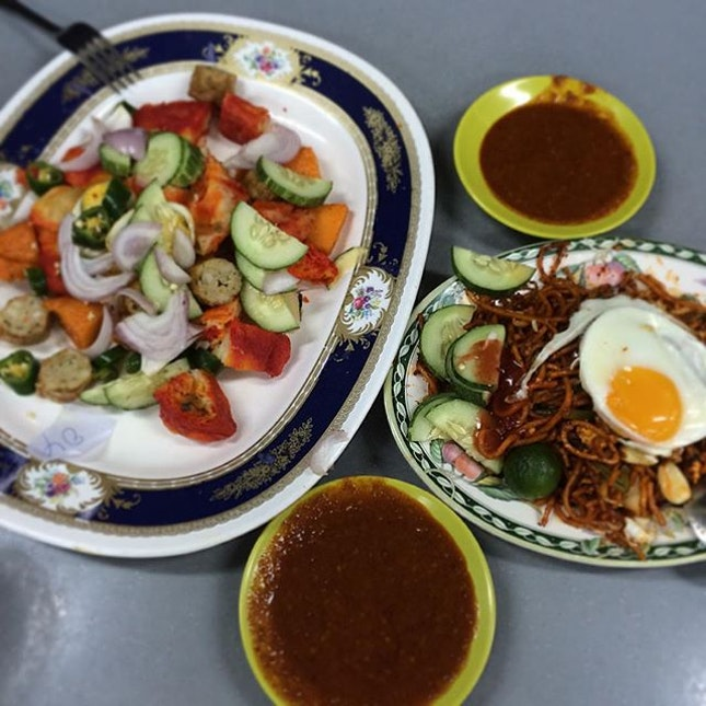Indian rojak and mee goreng for dinner.