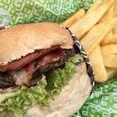 Best name for a burger: miss piggy #joleneats #bergs #burpple