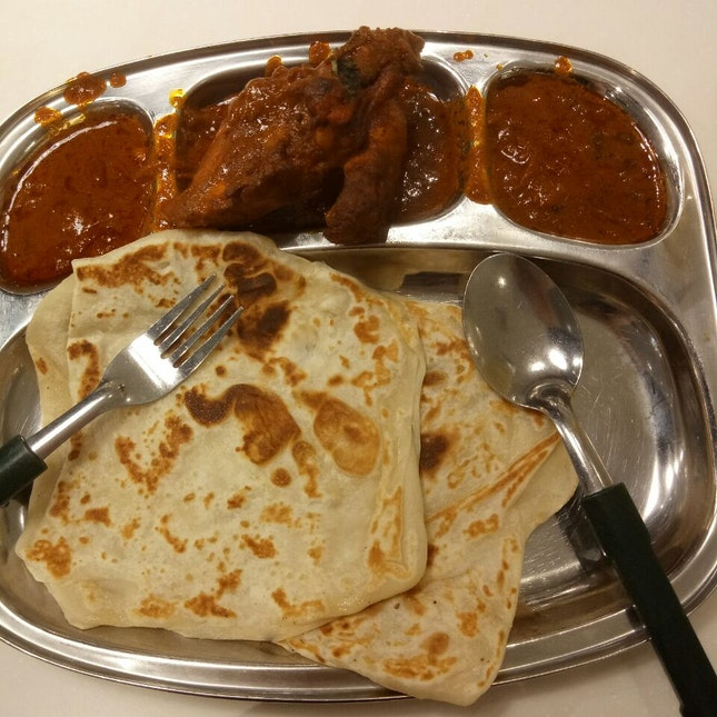 Tasty Roti Prata With Curry Chicken, Best Combo!
