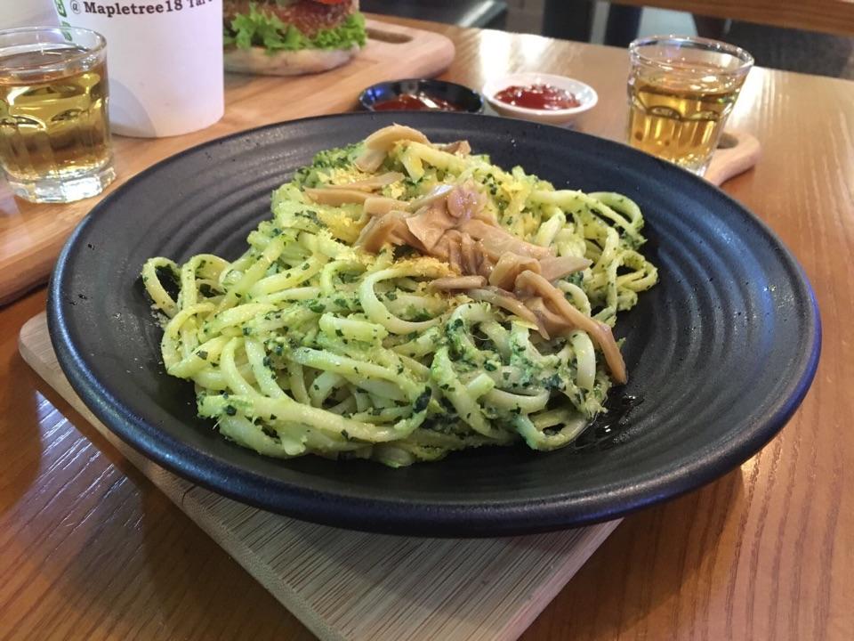 Spinach Mushroom Linguine ($9.90)