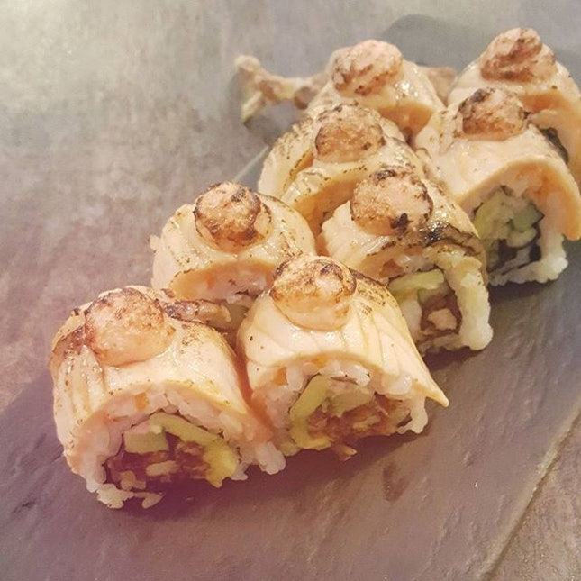 soft shell crab salmon aburi!