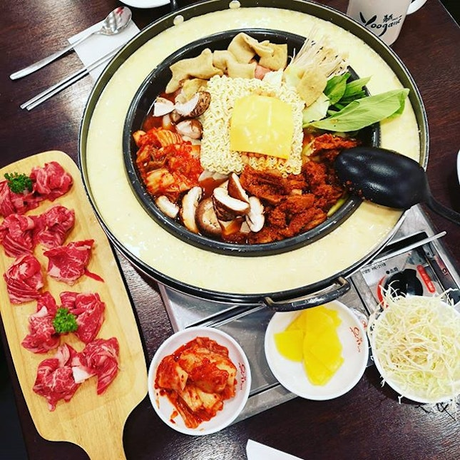 Dinner at NeX @ #Yoogane #sgfood #sgeat #hungrygowhere #instag #instagfood #foodpic #burpple #sgcafe #whati8tdy #grabfood #wheretoeat #armystew #koreanfood