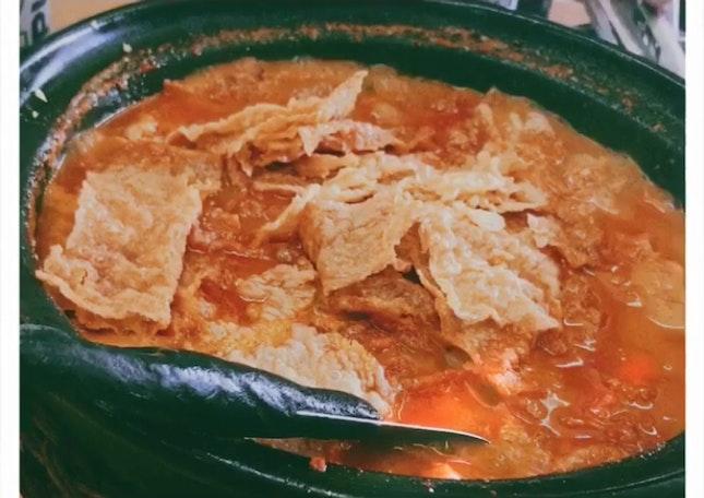 Kam Long Ah Zai Curry Fish Head