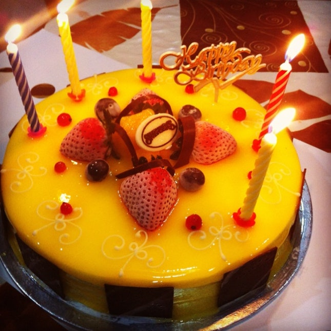 Appa's Bday Cake: Mango Ice Cream Cake